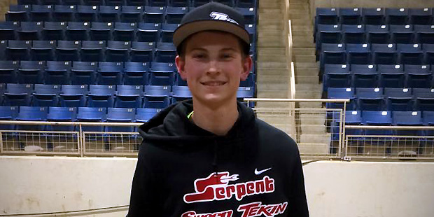 griffin hanna wins pro e buggy at motorama a s d